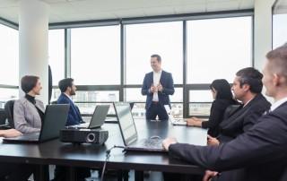 מתלבטים איזה יועץ עסקי לקחת? מתלבטים בבחירת חברה לייעוץ עסקי וארגוני?