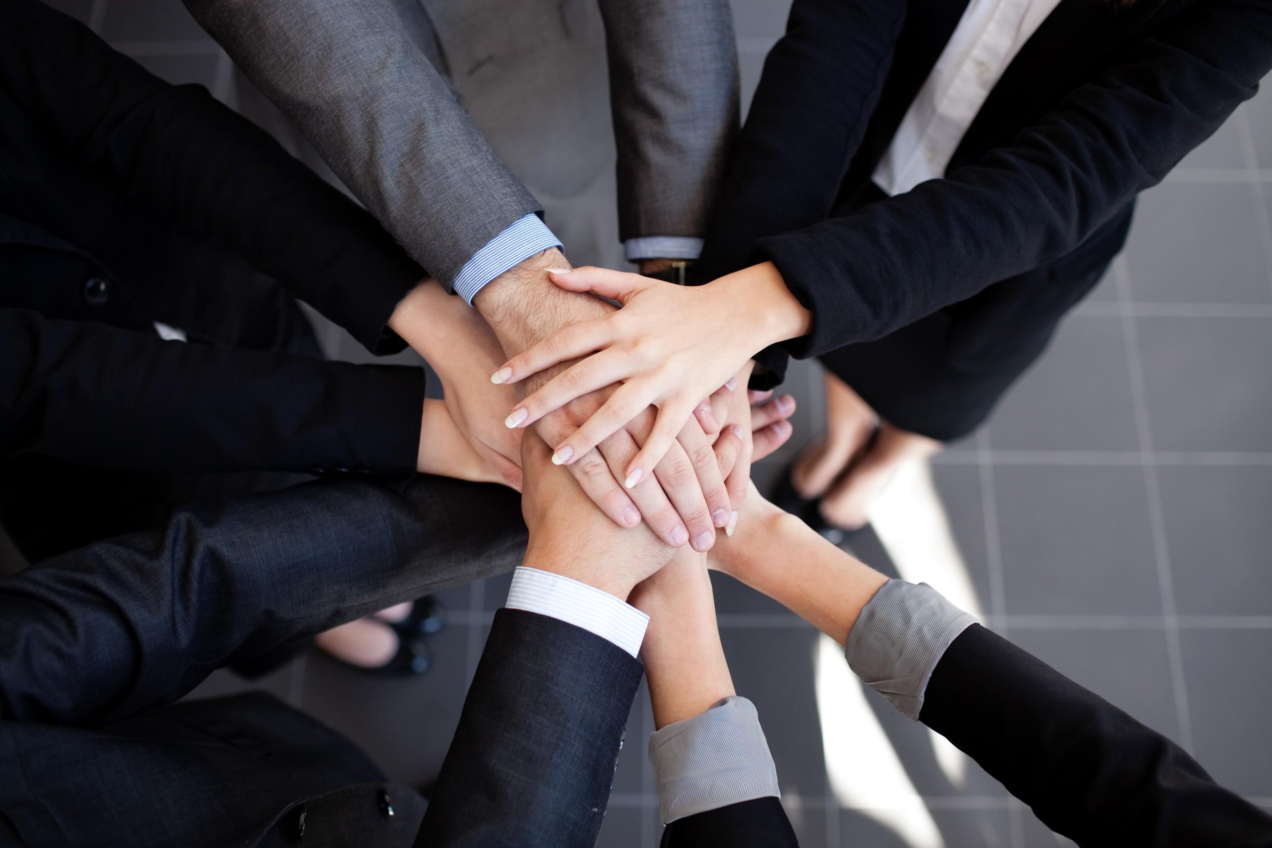 הדרכה ותוכניות לפיתוח מנהלים בכירים – והנהלות