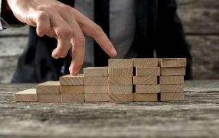 הכיצד משמרים ובונים אופק תעסוקתי וניהולי לעובדים ולמנהלים בשירות לקוחות?